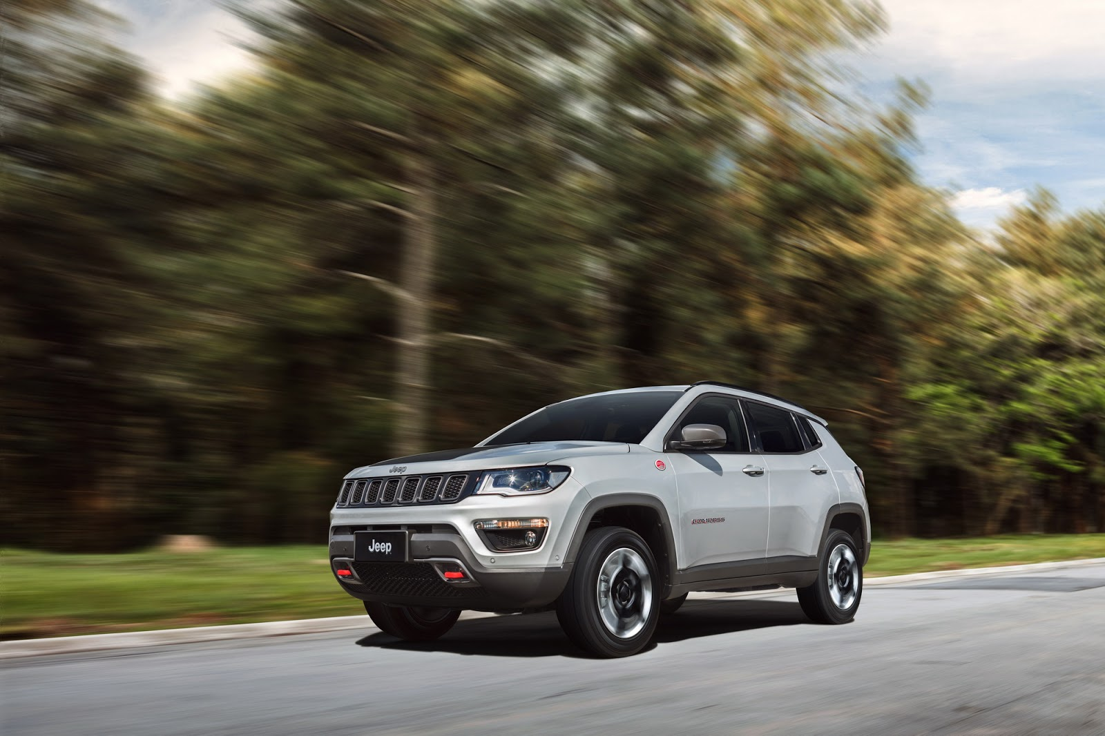2017 Jeep Compass Poses For The Camera In All Trim Levels