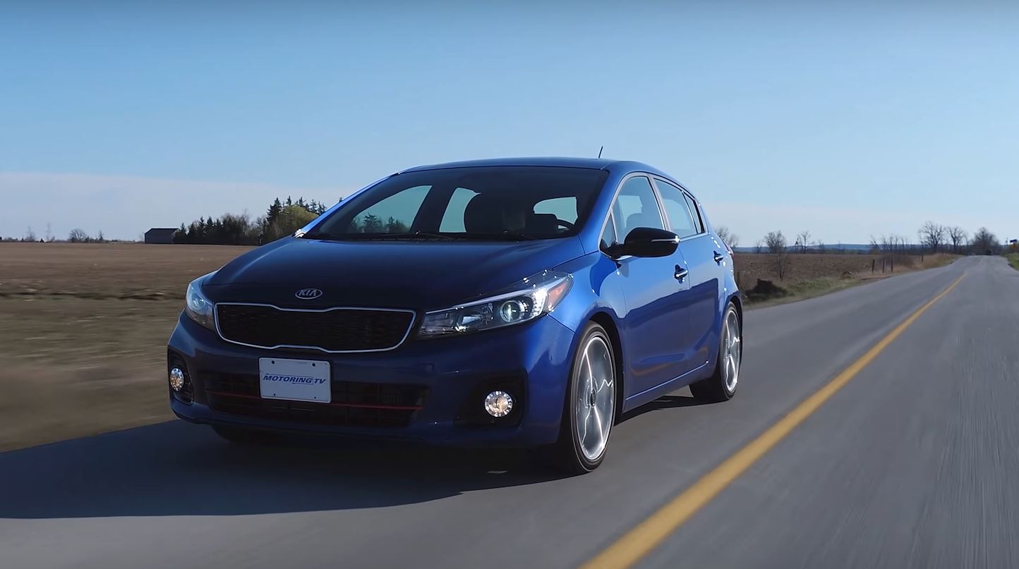 2017 kia forte 5 turbo is the warm hatch you forgot about autoevolution. Black Bedroom Furniture Sets. Home Design Ideas