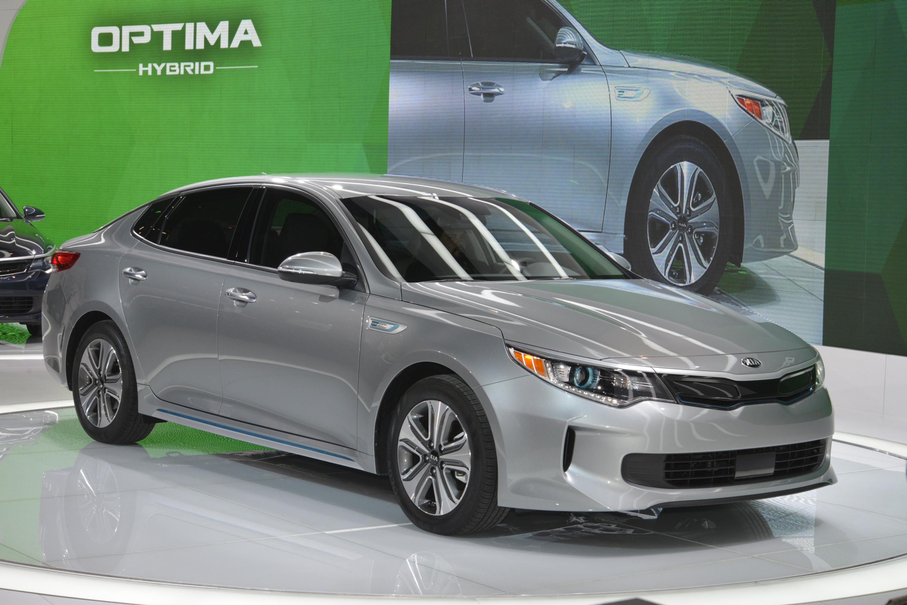 2017 kia optima hybrid unveiled with more compact battery and 2 liter engine autoevolution. Black Bedroom Furniture Sets. Home Design Ideas