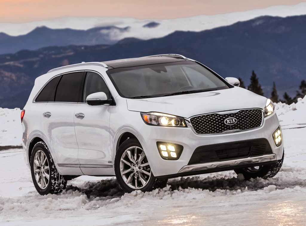 2017 kia sorento crashes its way to earn top safety pick. Black Bedroom Furniture Sets. Home Design Ideas