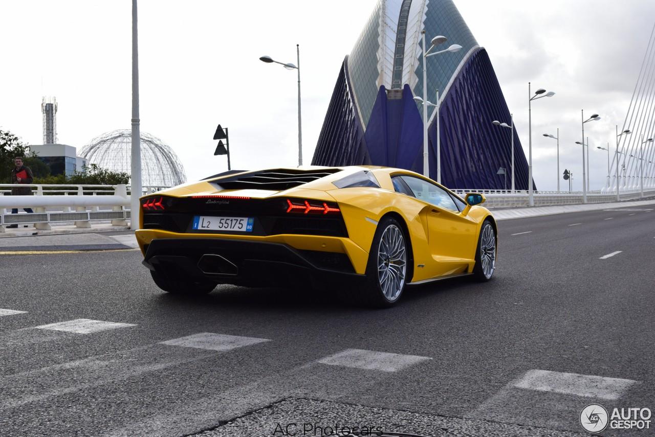 2017 Lamborghini Aventador S Already Spotted in Valencia ...
