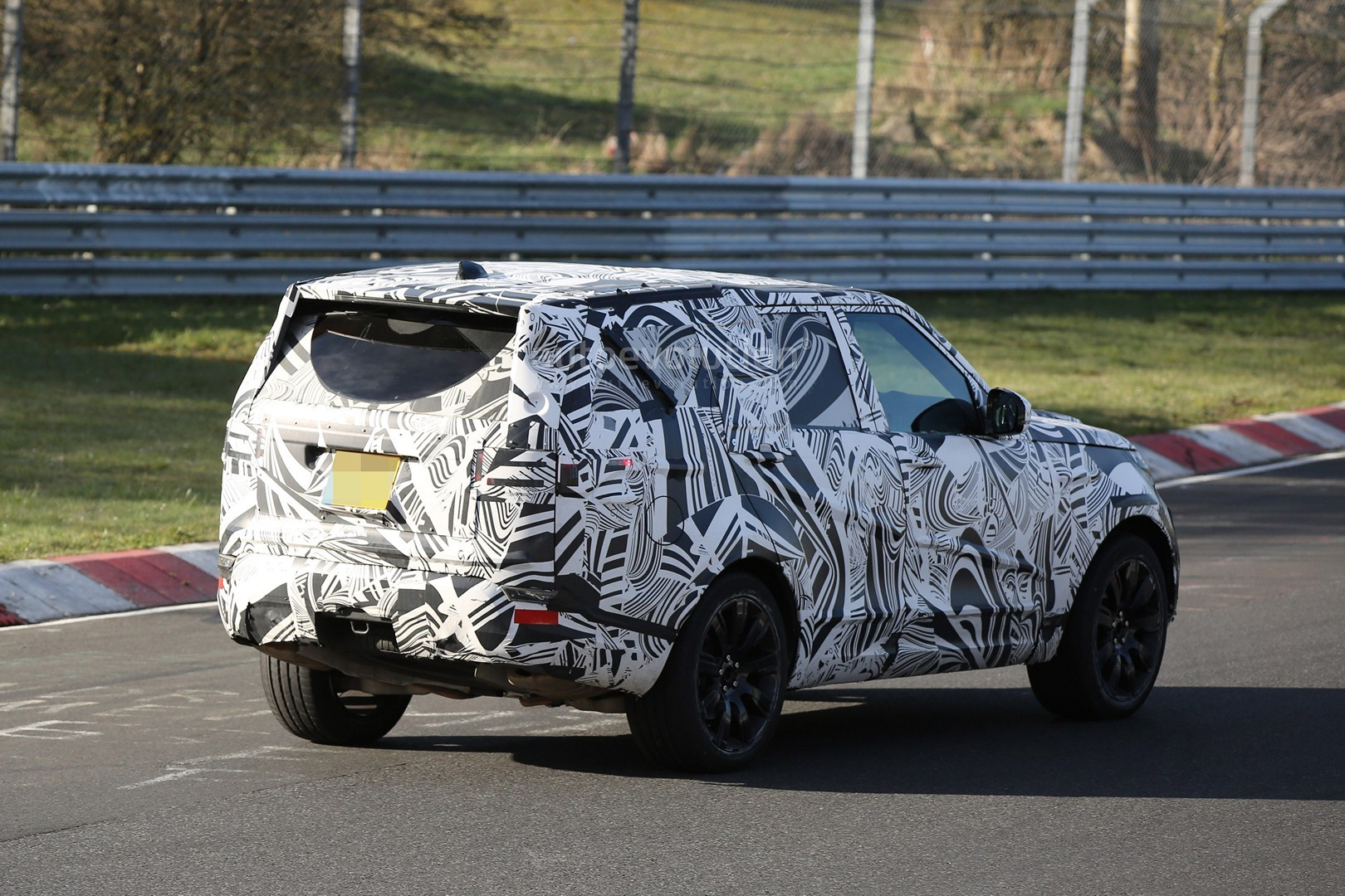 2018 land rover lr5. wonderful land 2017 land rover discovery testing at the nurburgring throughout 2018 land rover lr5 i