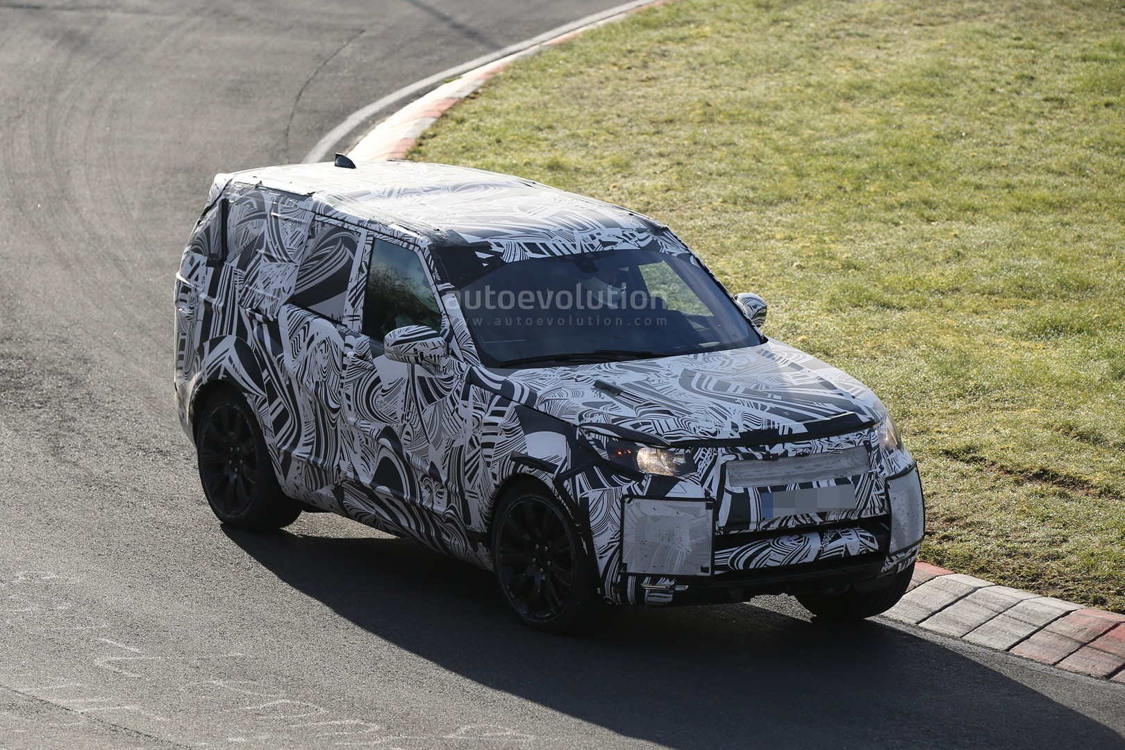 2018 land rover discovery svx. exellent svx 2017 land rover discovery testing at the nurburgring to 2018 land rover discovery svx