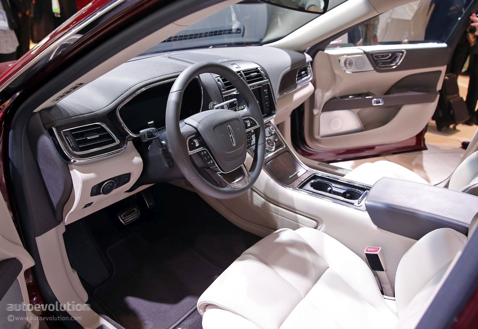 2017 Lincoln Continental Live In Detroit