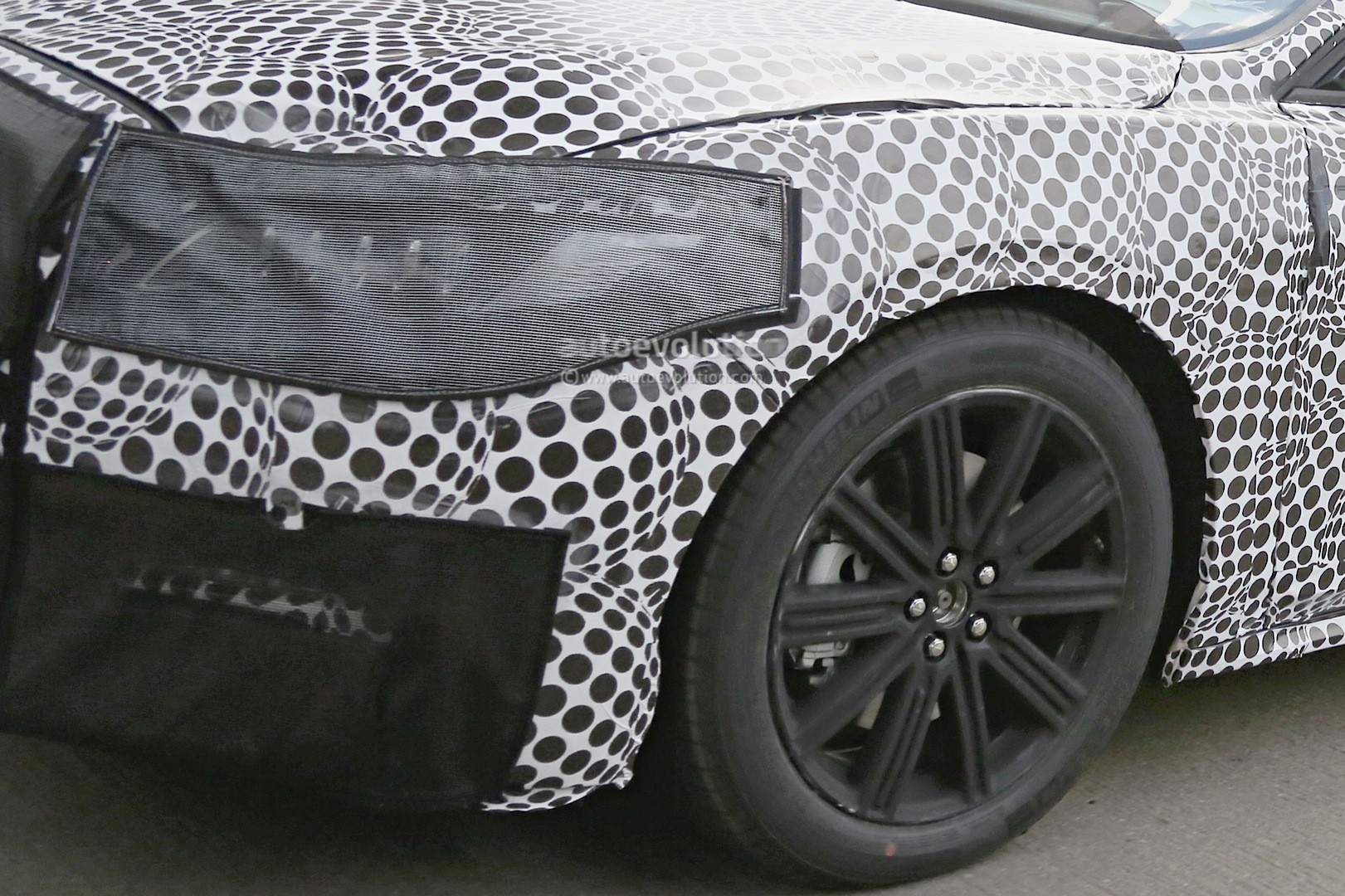 2017 lincoln continental flagship spied for the first time in production form autoevolution. Black Bedroom Furniture Sets. Home Design Ideas