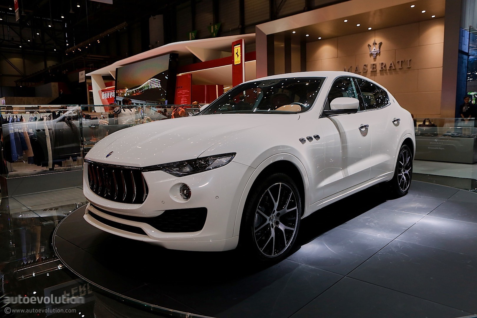 2017 maserati levante us pricing announced it 39 s coming to new york autoevolution. Black Bedroom Furniture Sets. Home Design Ideas