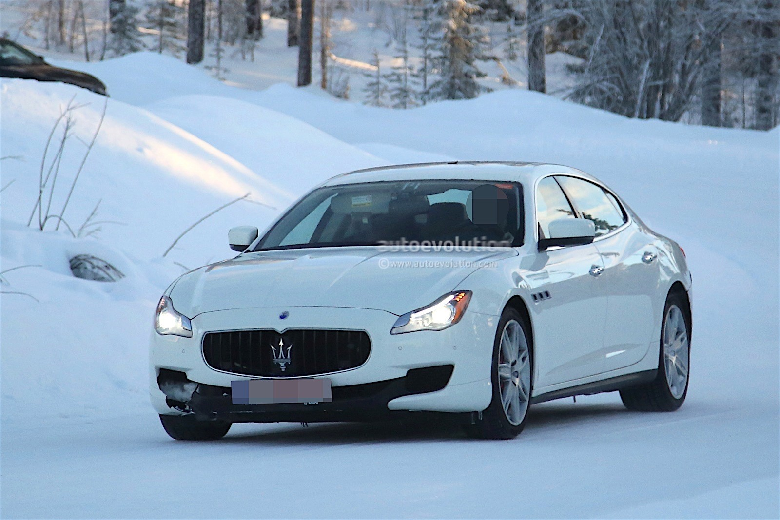 Maserati Alfieri Price >> 2017 Maserati Quattroporte Facelift Spied with Little Disguise - autoevolution