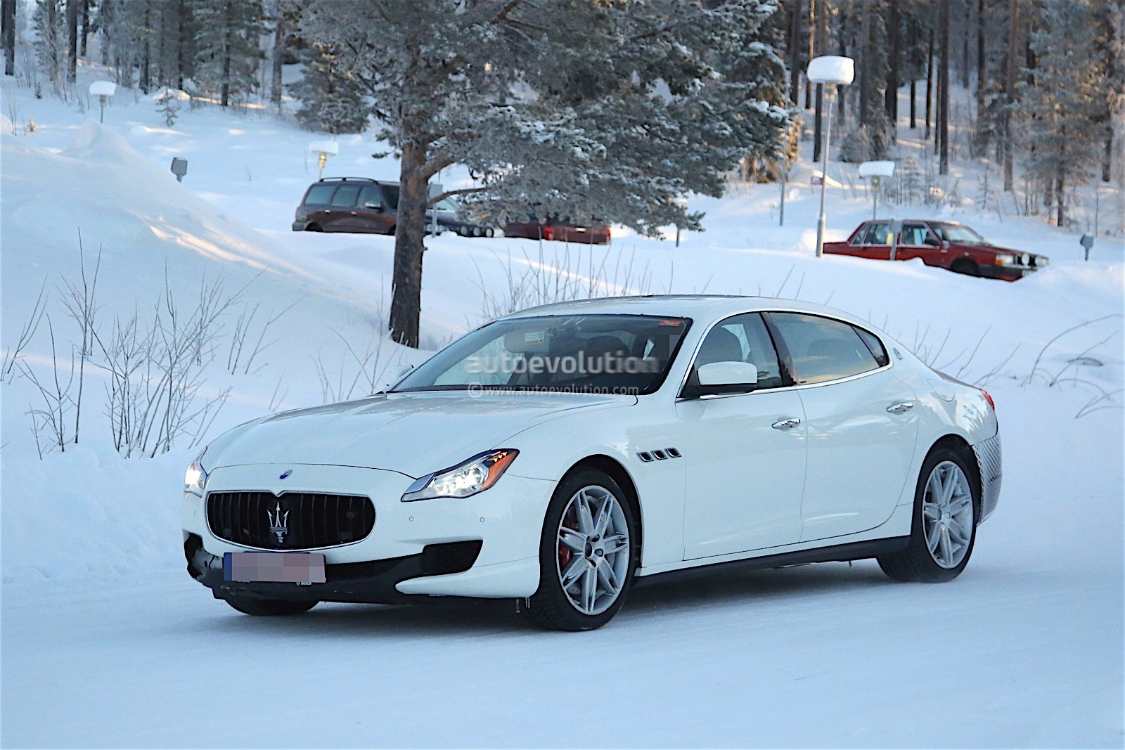 2017 maserati quattroporte facelift spied with little disguise autoevolution. Black Bedroom Furniture Sets. Home Design Ideas