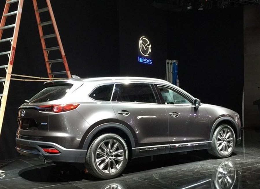 2017 Mazda CX-9 Sneak Peek from the Los Angeles Auto Show ...