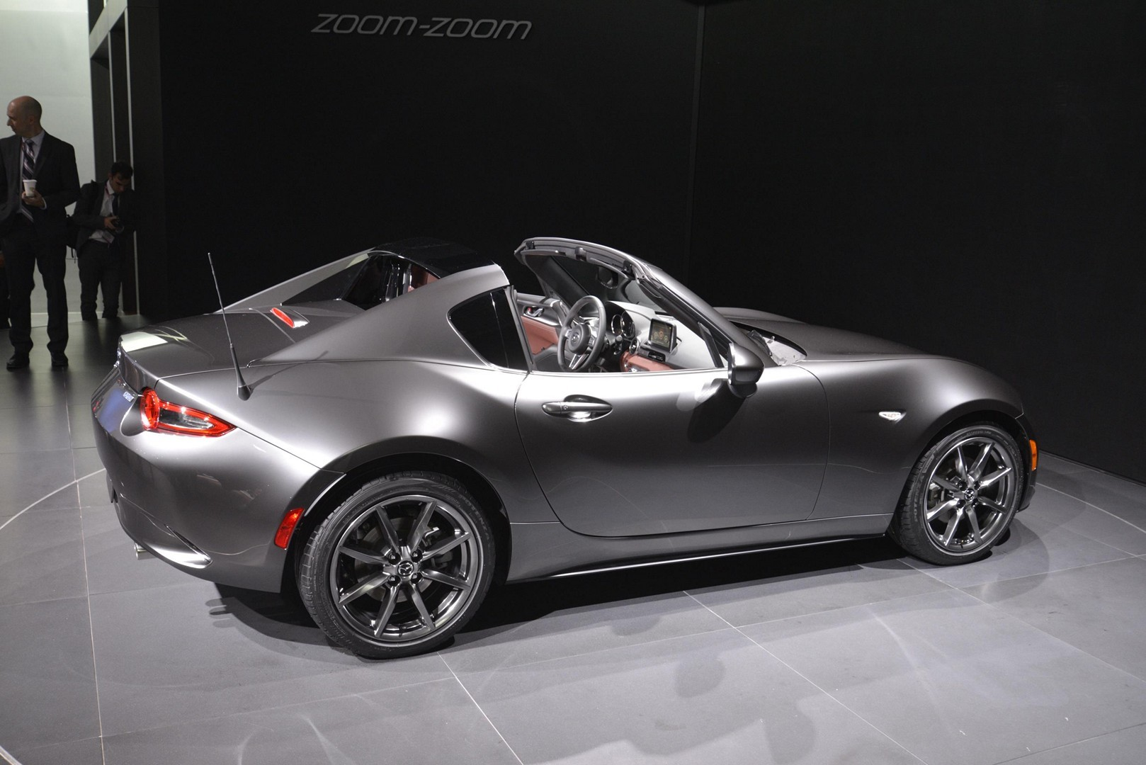 2017 mazda mx 5 miata rf enters production in japan autoevolution. Black Bedroom Furniture Sets. Home Design Ideas
