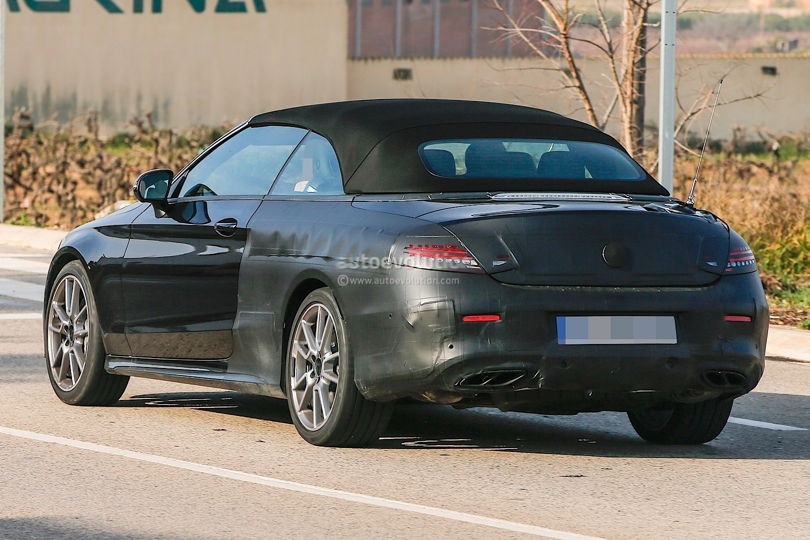 https://s1.cdn.autoevolution.com/images/news/gallery/2017-mercedes-amg-c43-cabriolet-a205-spied_10.jpg