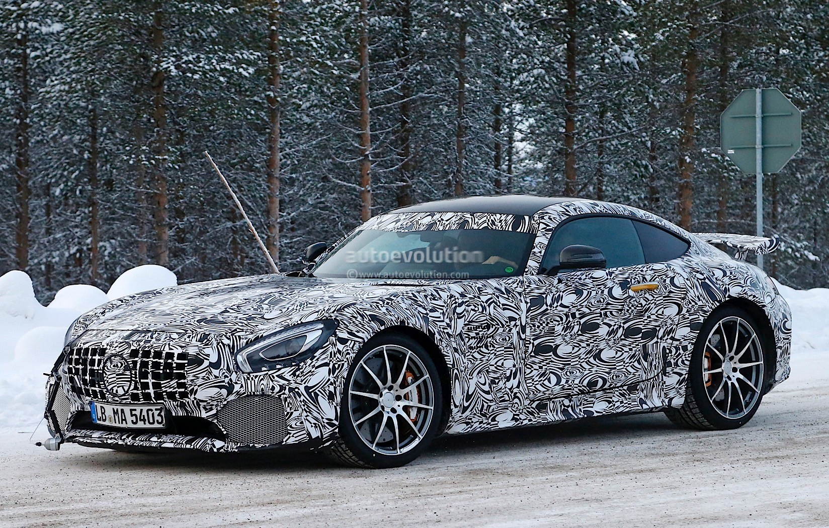 2017 mercedes amg gt r shares more skin during winter for Mercedes benz gts 2017