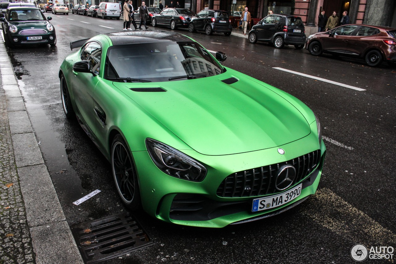 2017 mercedes amg gt r spotted flaunting its amg green hell magno hue in berlin autoevolution. Black Bedroom Furniture Sets. Home Design Ideas