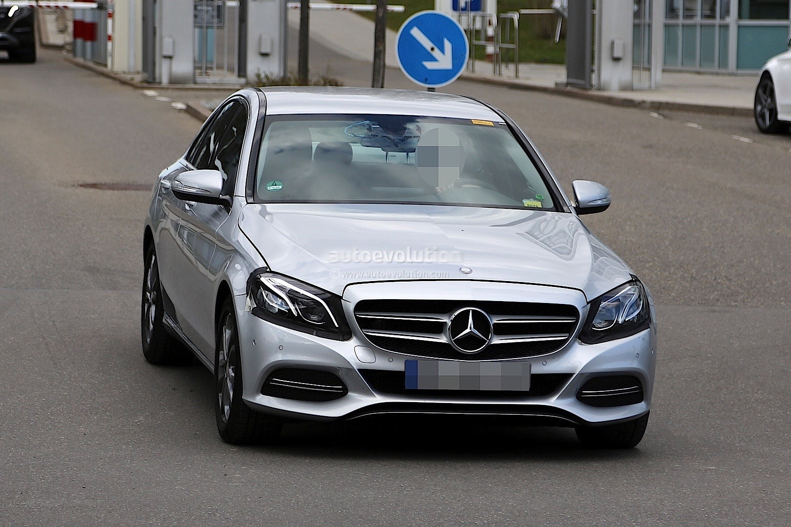 2017 Mercedes-Benz C-Class Facelift Spied in Germany ...