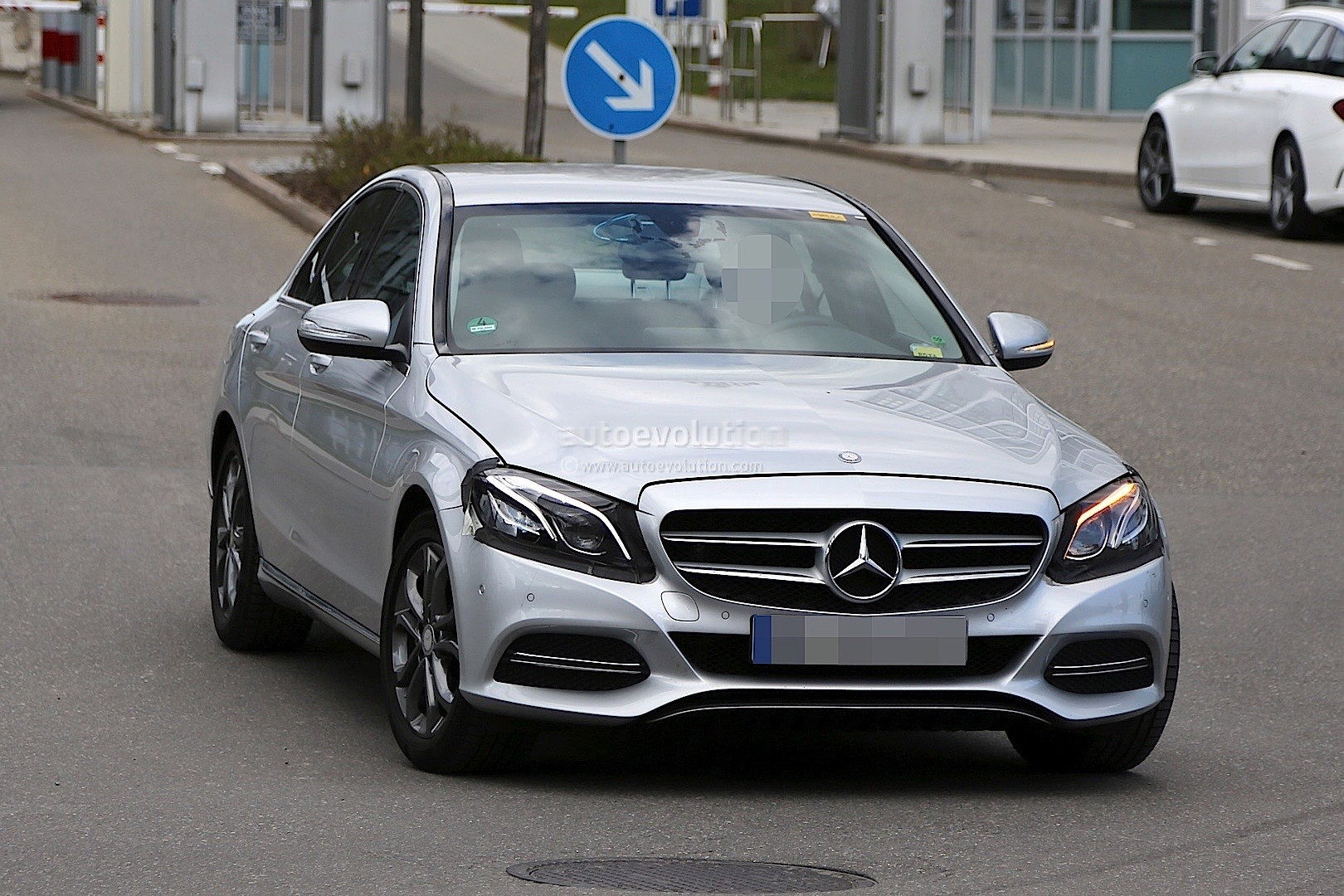 2017 mercedes benz c class facelift spied in germany
