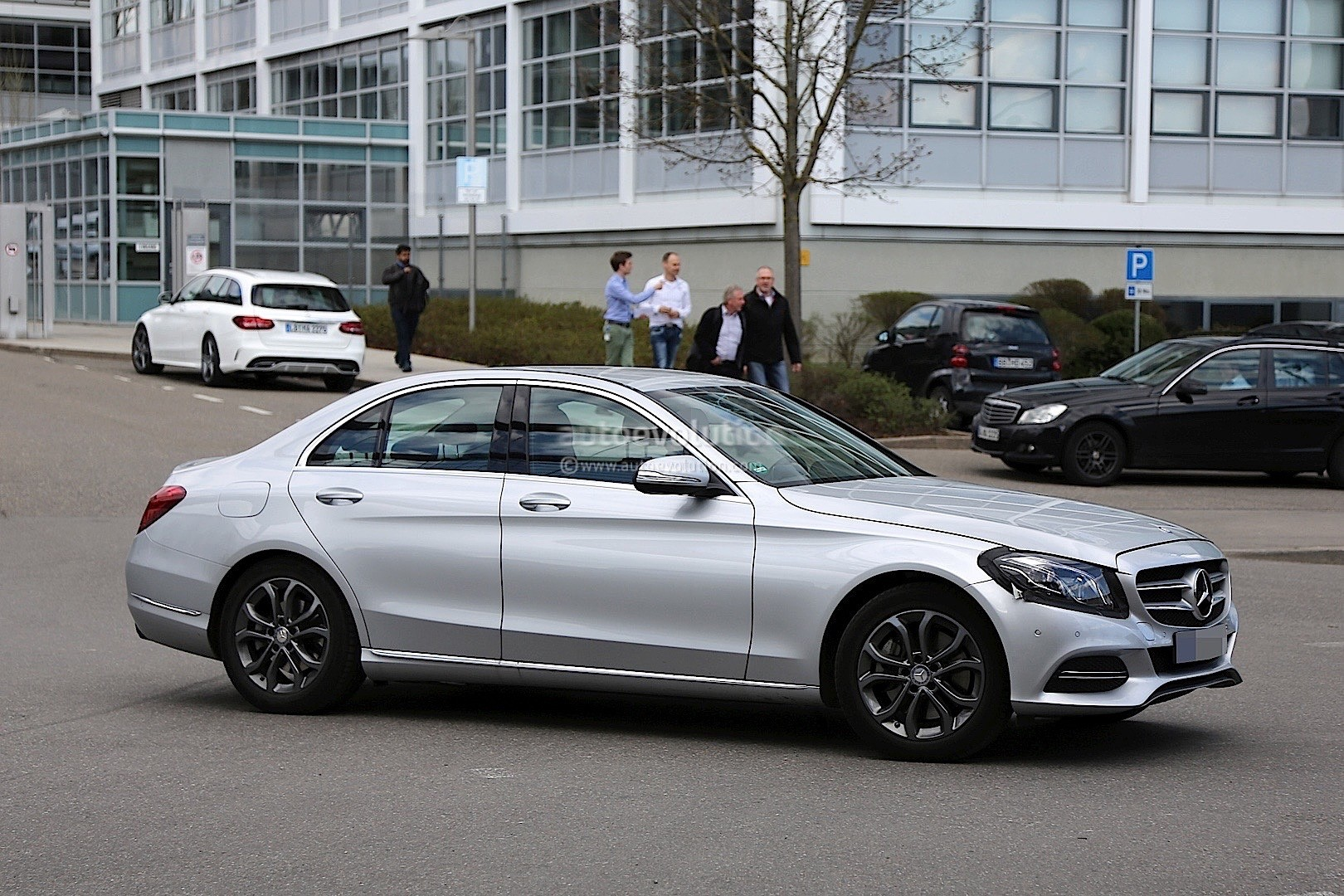 2017 mercedes benz c class facelift spied in germany for Mercedes benz c200 2017