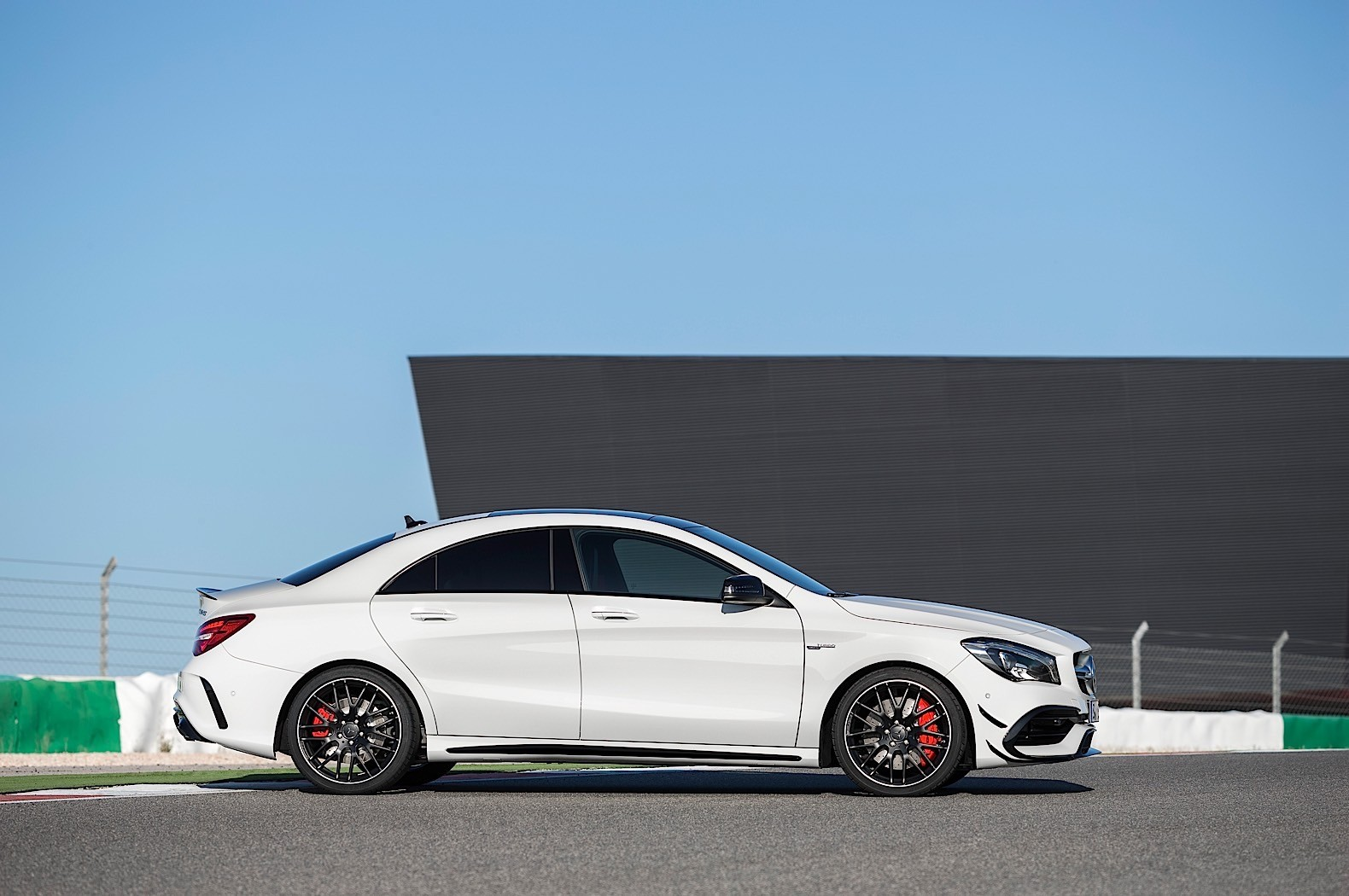 2017 mercedes benz cla cla shooting brake priced in for The mercedes benz