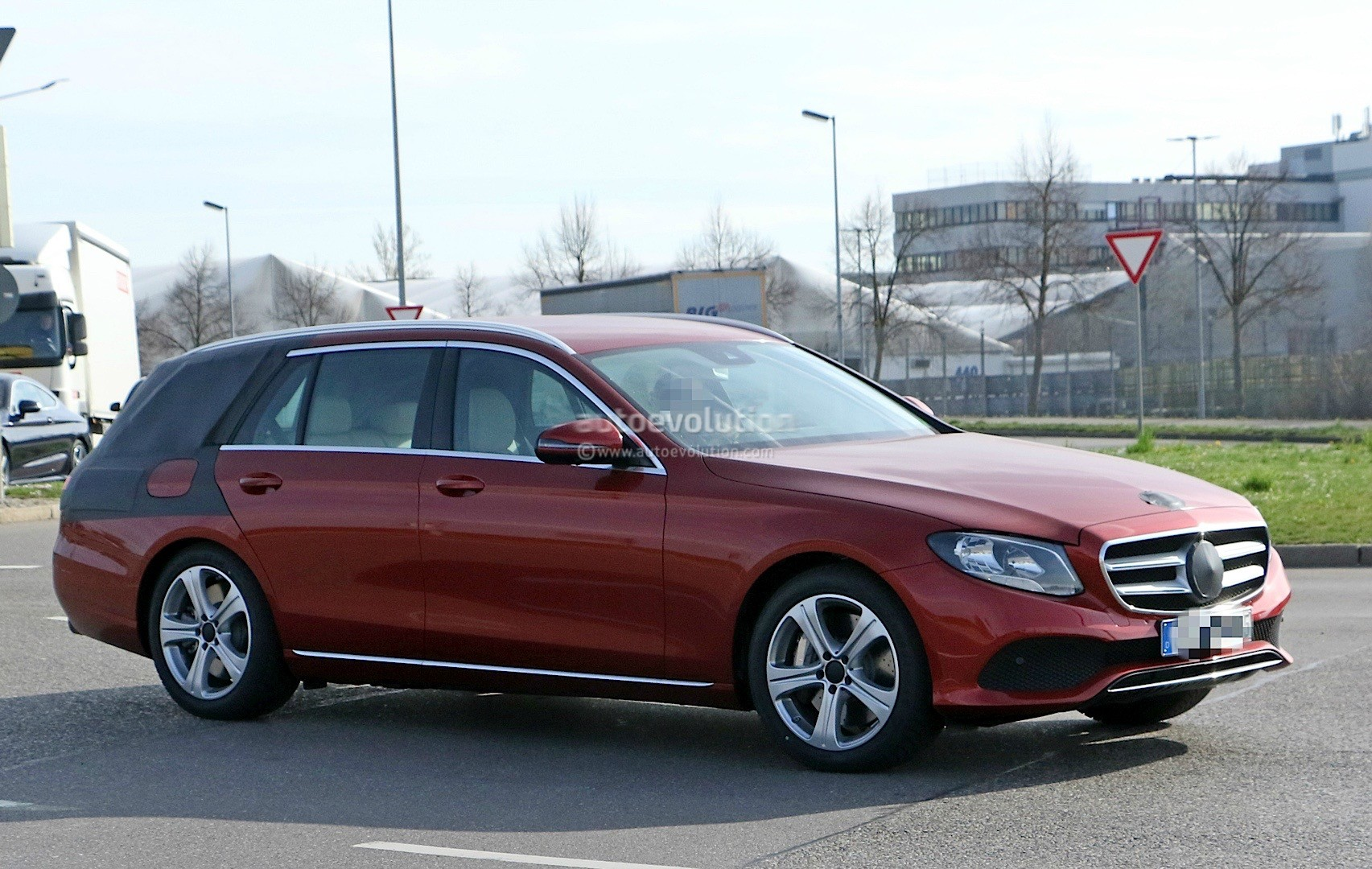 2017 mercedes benz e class wagon s213 spied in germany for Mercedes benz in germany