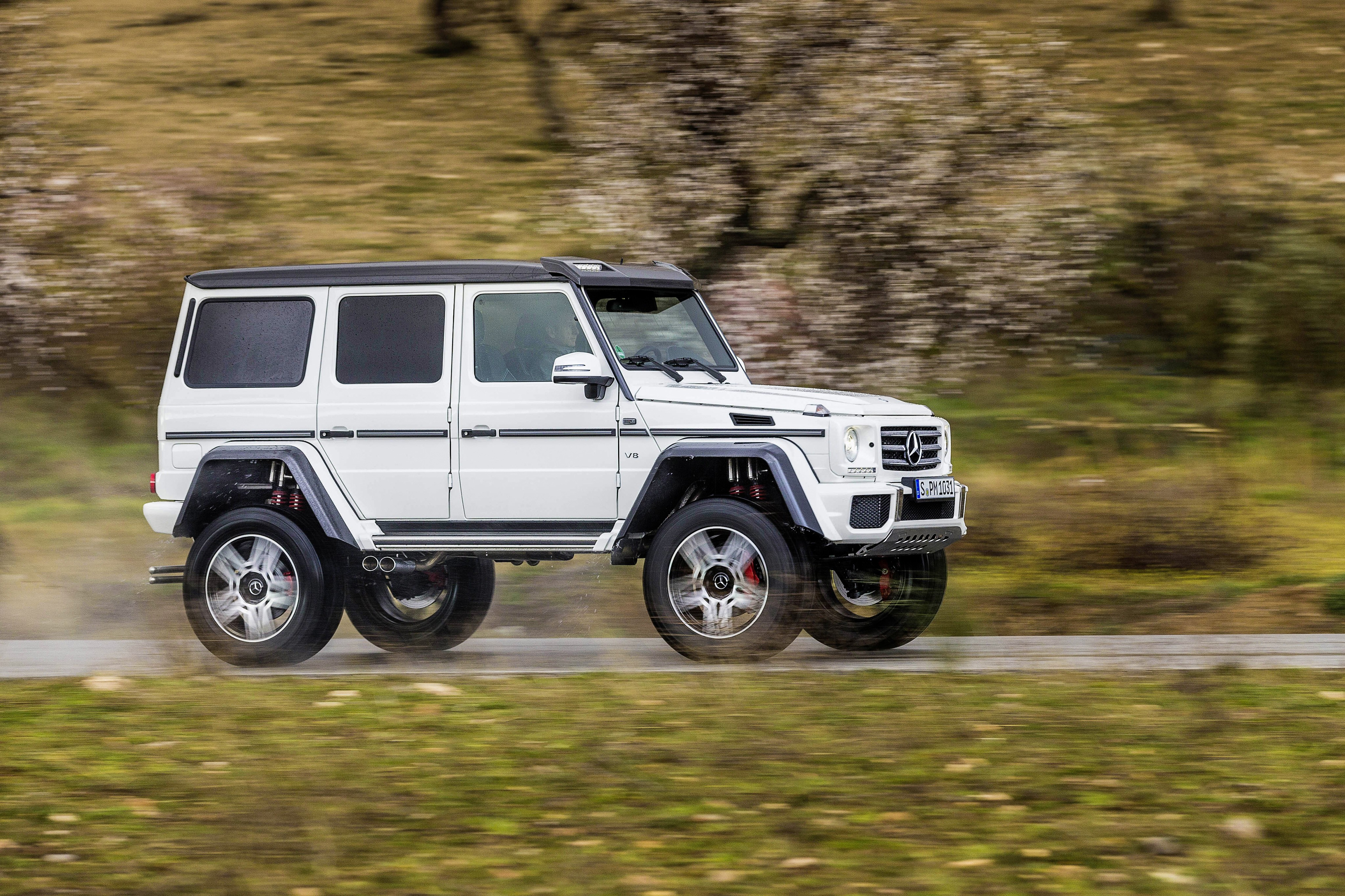 2017 mercedes benz g550 4 4 en route to the united states for Mercedes benz route 17