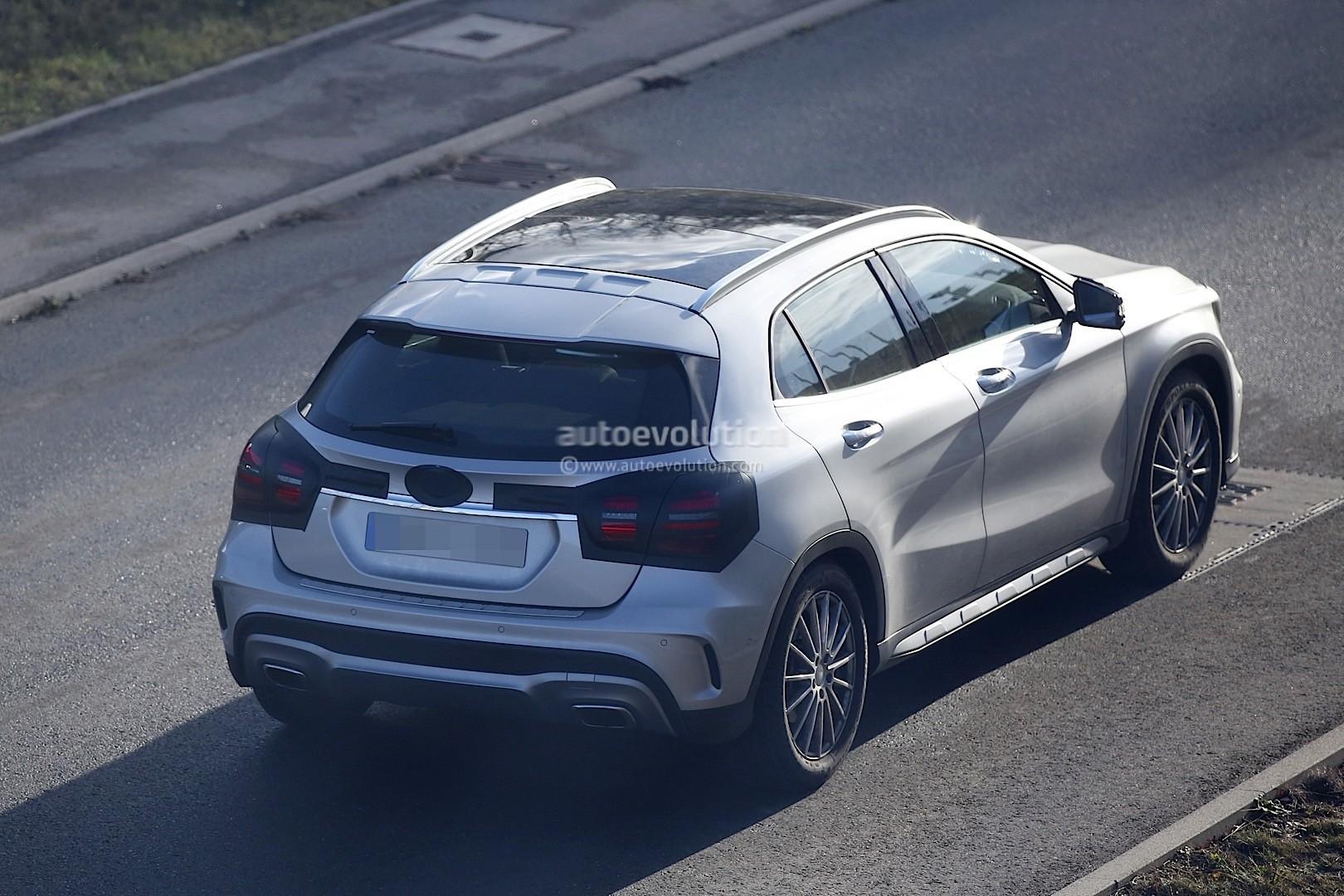 2017 Mercedes-Benz GLA Facelift Spied with Minimum Camo