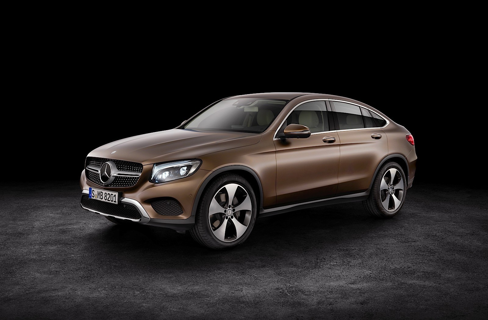 2017 mercedes benz glc coupe is out for bmw x4 blood in. Black Bedroom Furniture Sets. Home Design Ideas