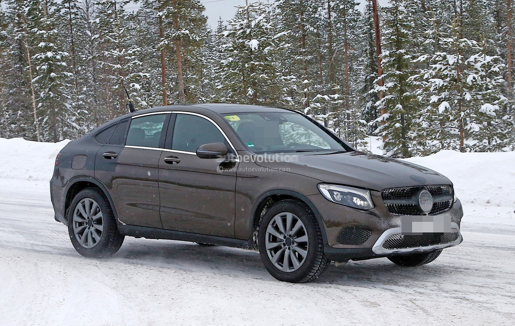 2017 mercedes benz glc coupe shows up virtually unmasked for Mercedes benz glc coupe 2017