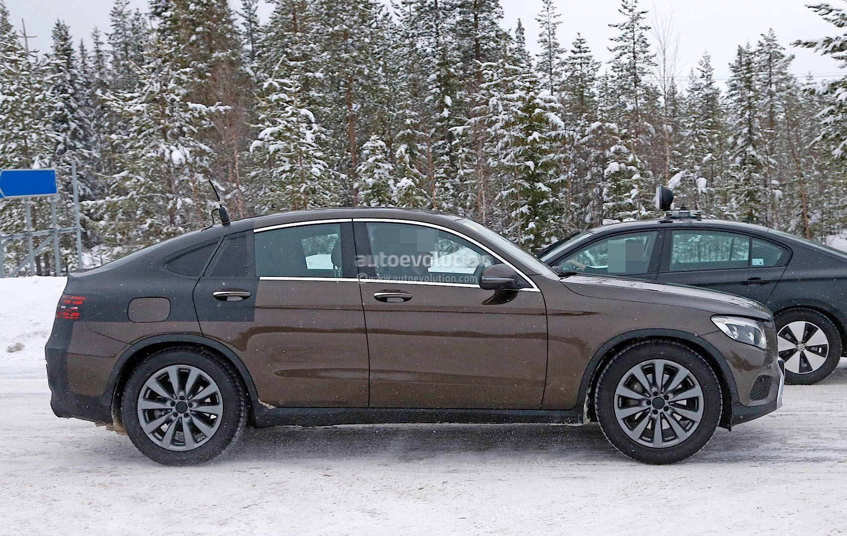 2017 mercedes benz glc coupe shows up virtually unmasked for Mercedes benz coupe models