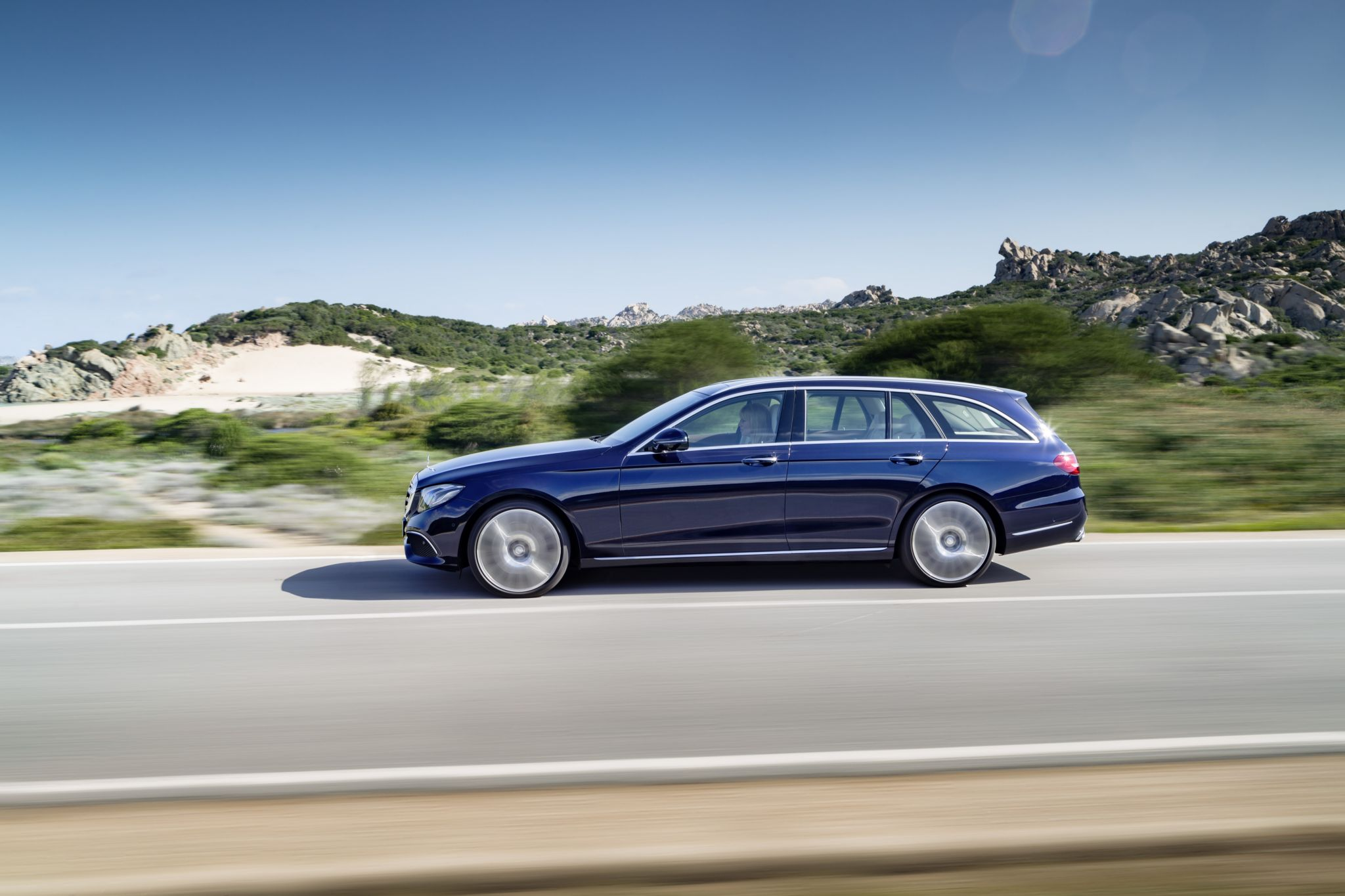 2017 Mercedes Benz E Class Wagon Is Both Spacious And Luxurious 400 Wiring Diagram