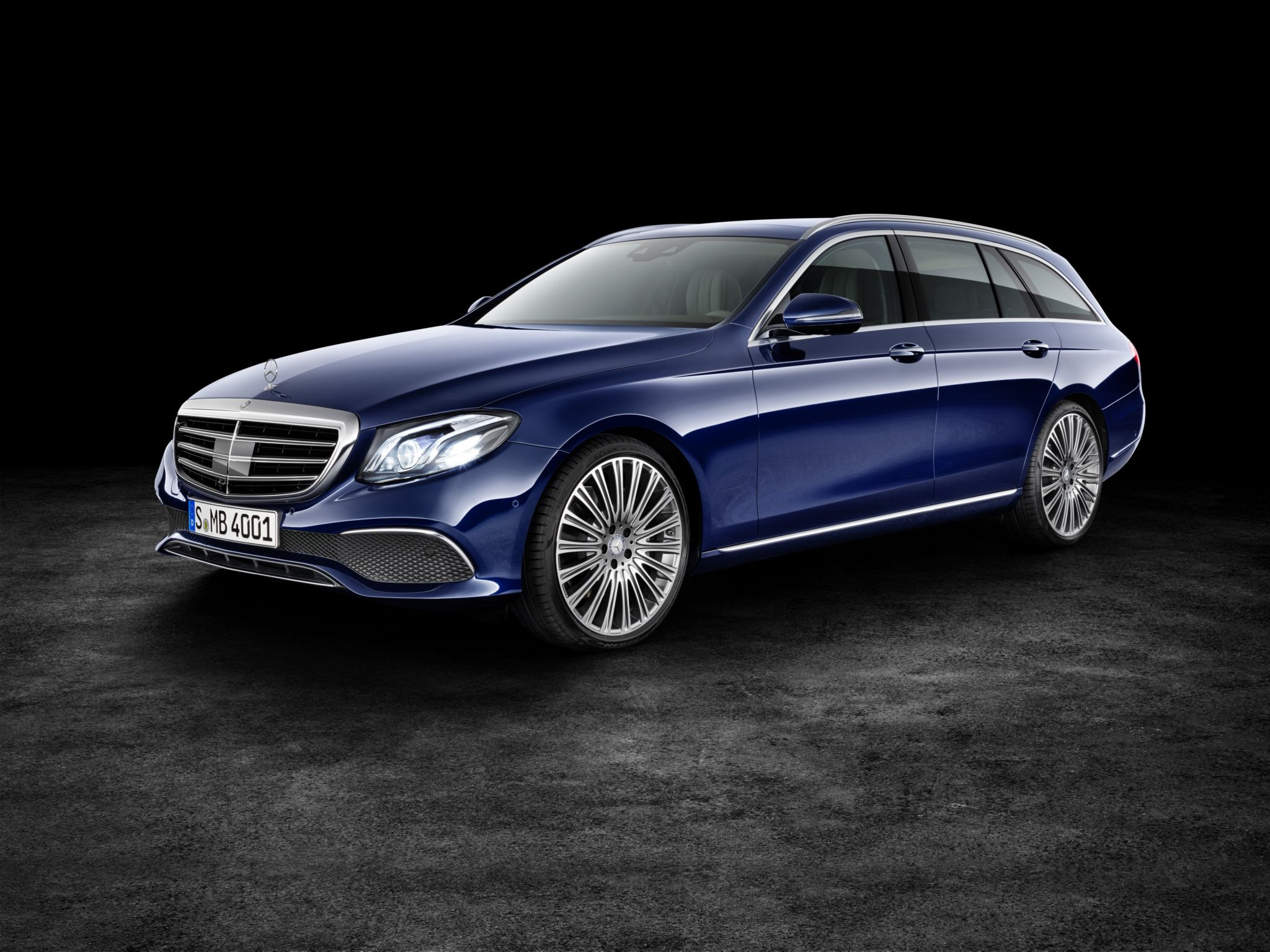 2017 mercedes benz e class wagon is both spacious and
