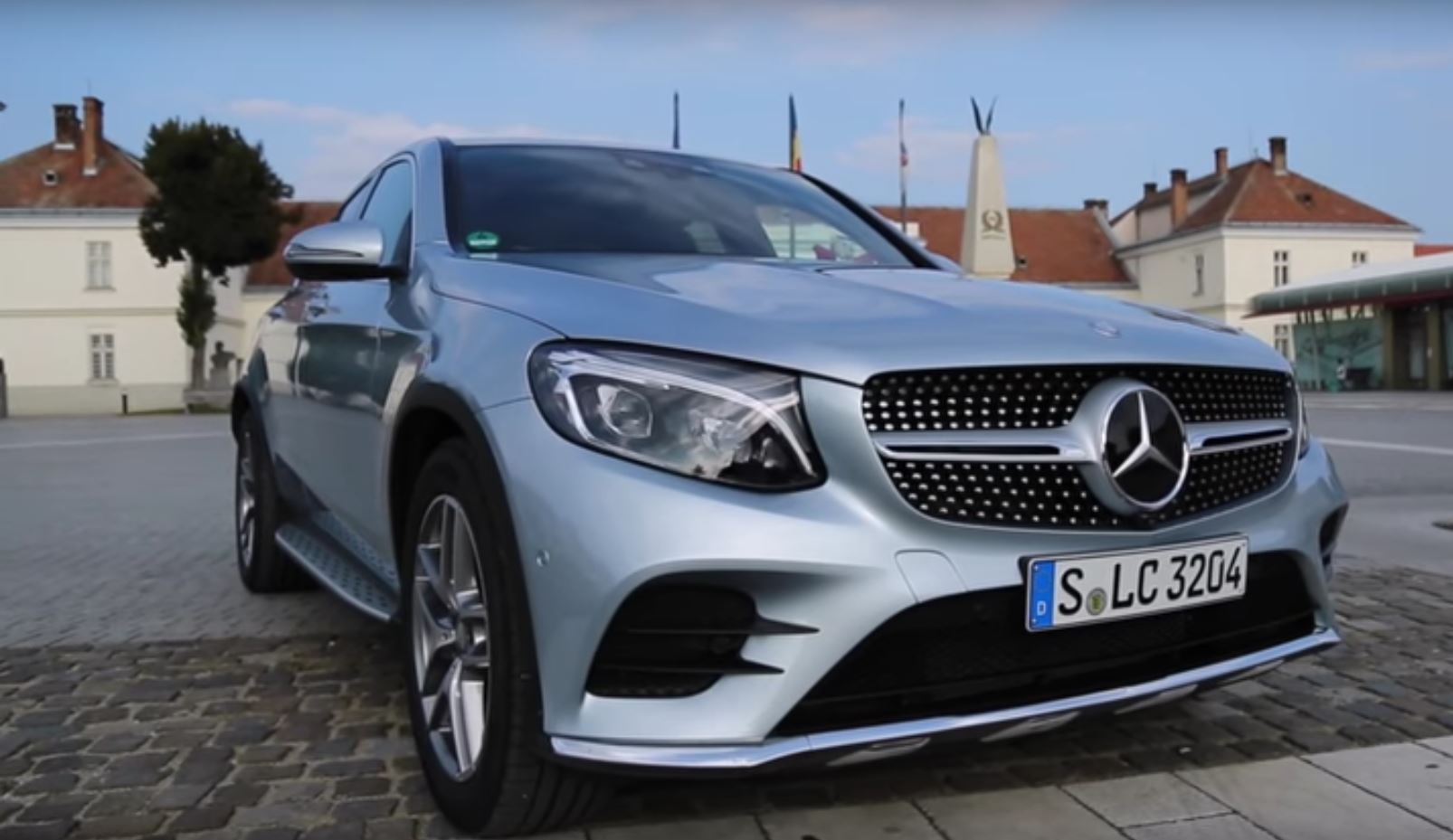 2017 Mercedes Glc 300 Coupe Sounds Like A Golf Gti Thanks To Sports Exhaust Autoevolution