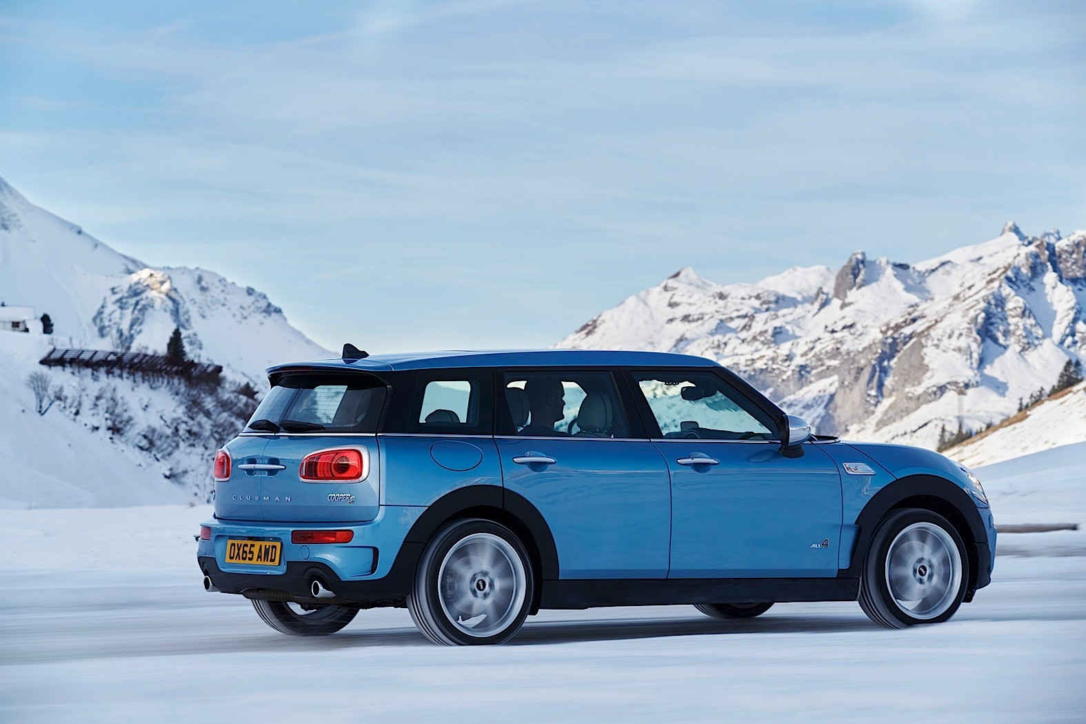 2017 mini clubman all4 and jcw convertible set to debut in new york autoevolution. Black Bedroom Furniture Sets. Home Design Ideas