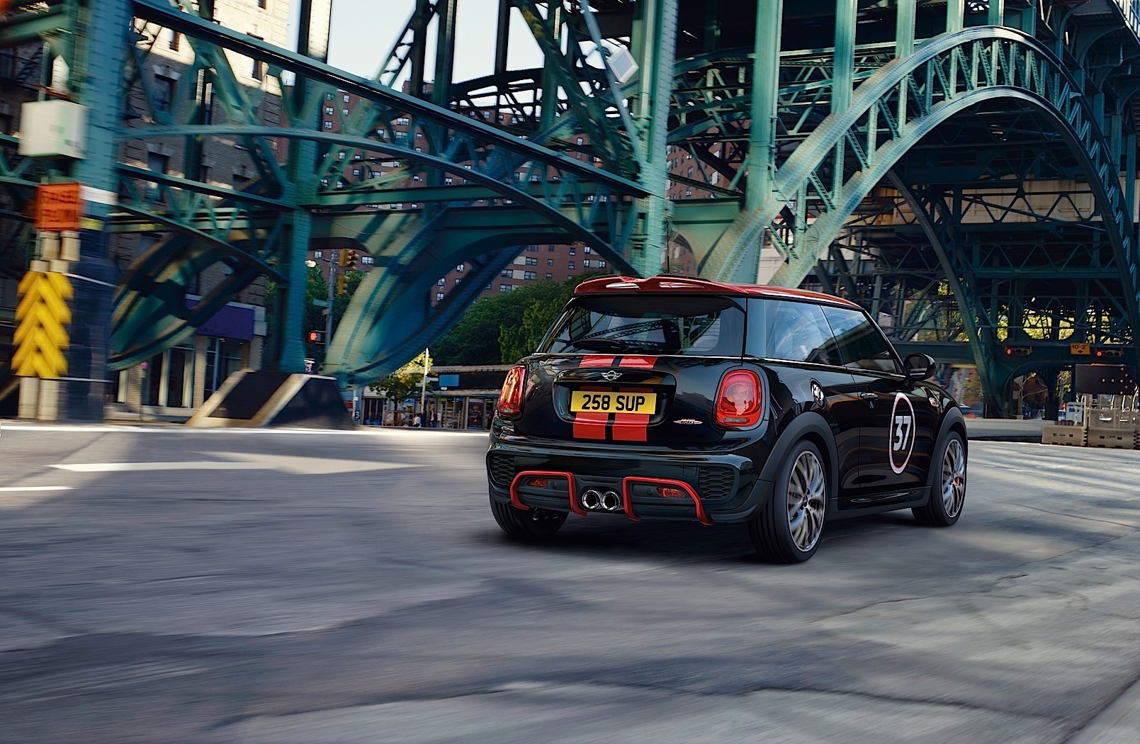 2017 MINI Cooper S Almost Becomes a JCW at the Essen Motor ...
