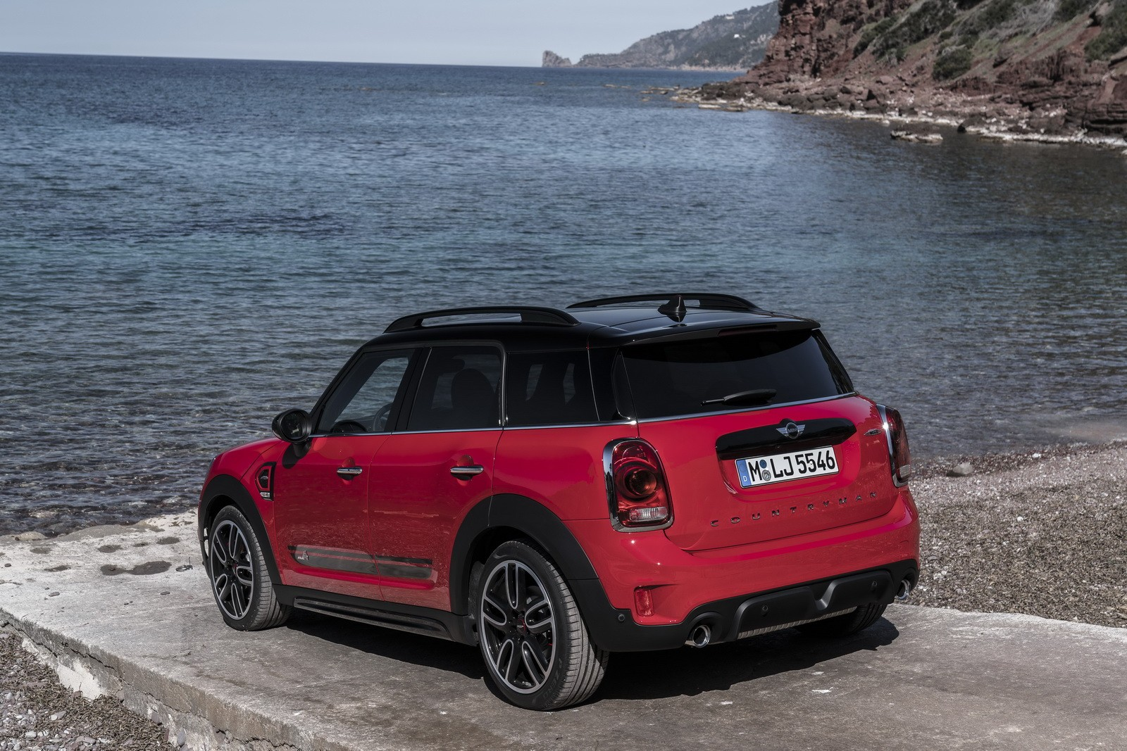 2017 mini countryman jcw launch brings pricing new photos and videos autoevolution. Black Bedroom Furniture Sets. Home Design Ideas