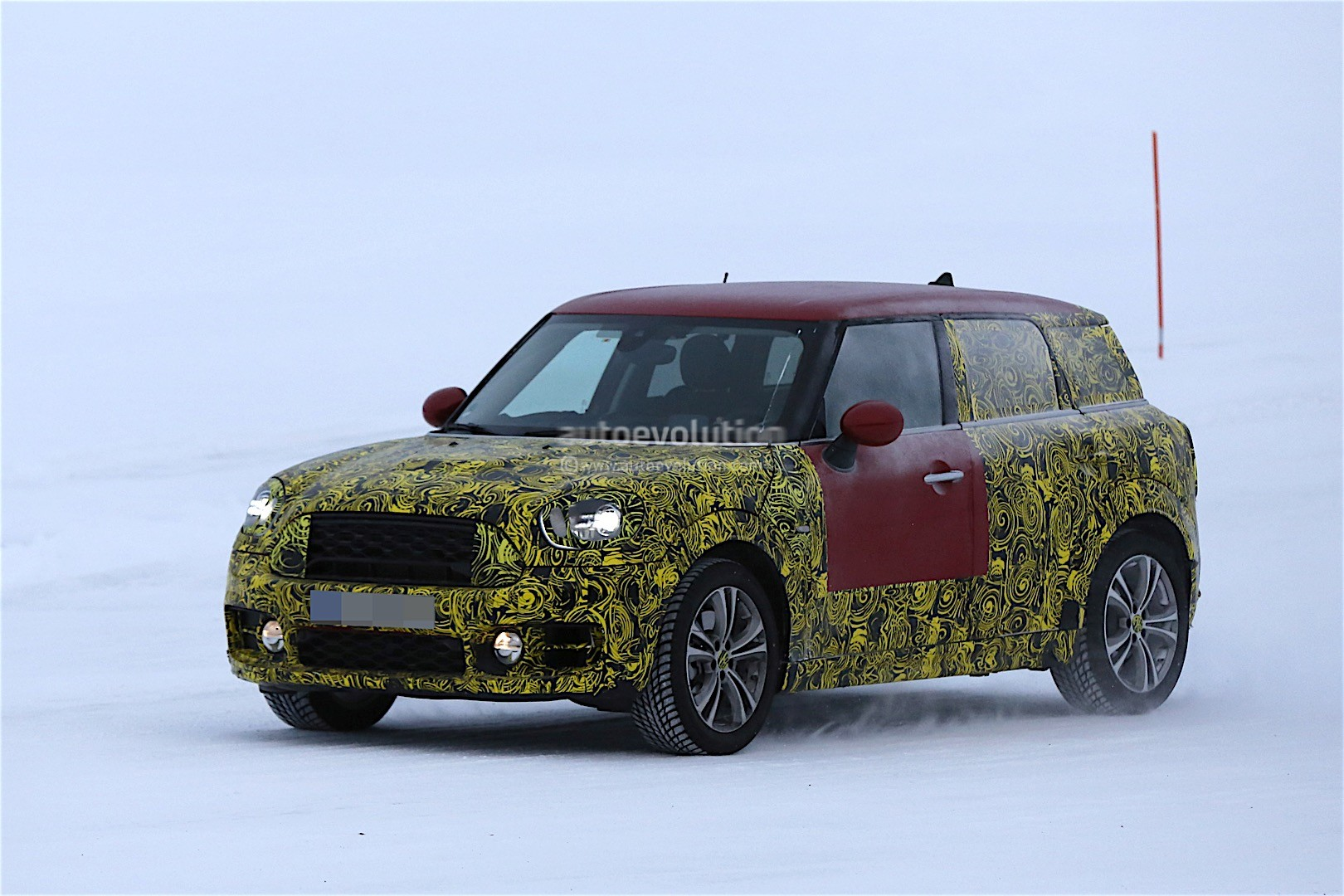 2017 mini countryman spied with less disguise  autoevolution