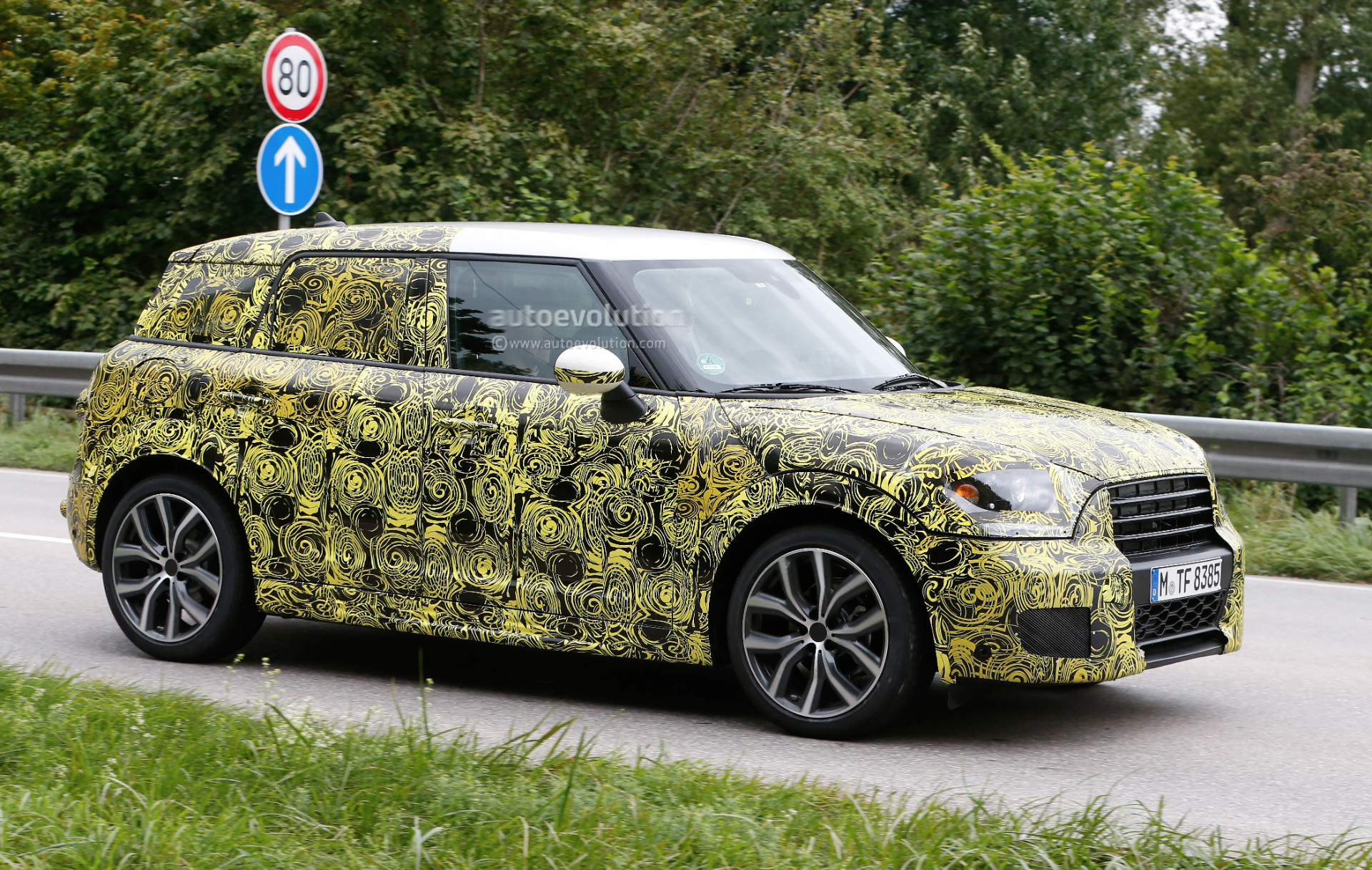 2016 - [Mini] Countryman II [F60] - Page 2 2017-mini-countryman-spied-for-the-first-time_3