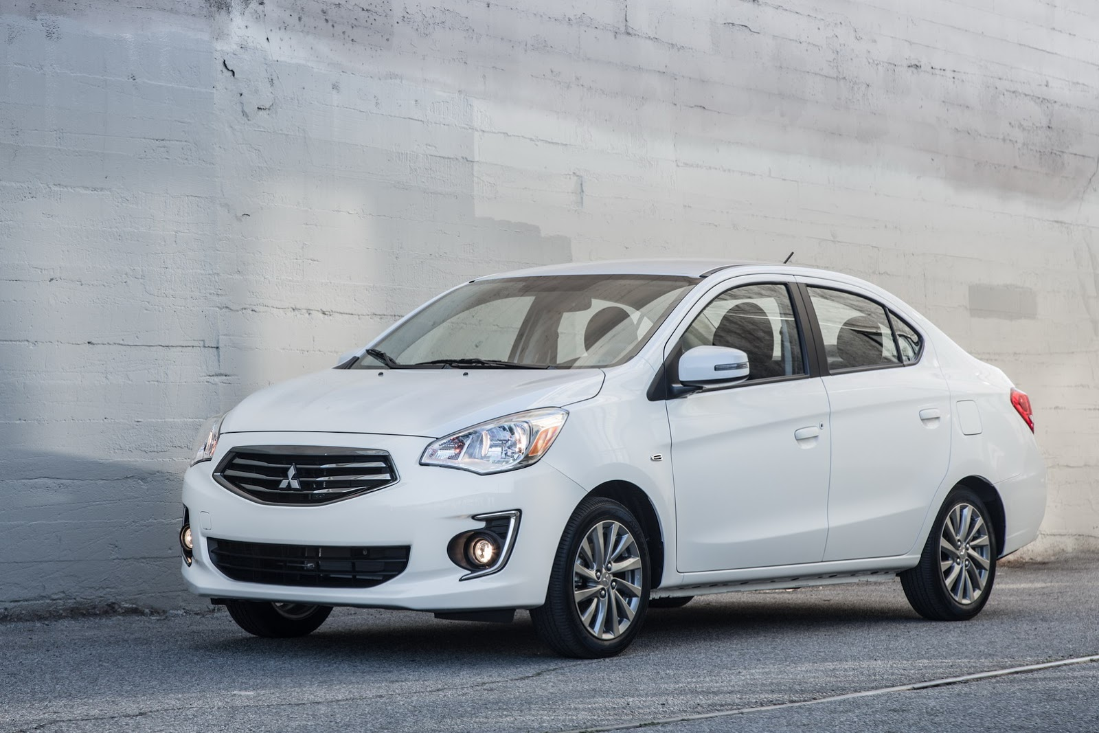 2017 mitsubishi mirage g4 subcompact sedan launched in new. Black Bedroom Furniture Sets. Home Design Ideas
