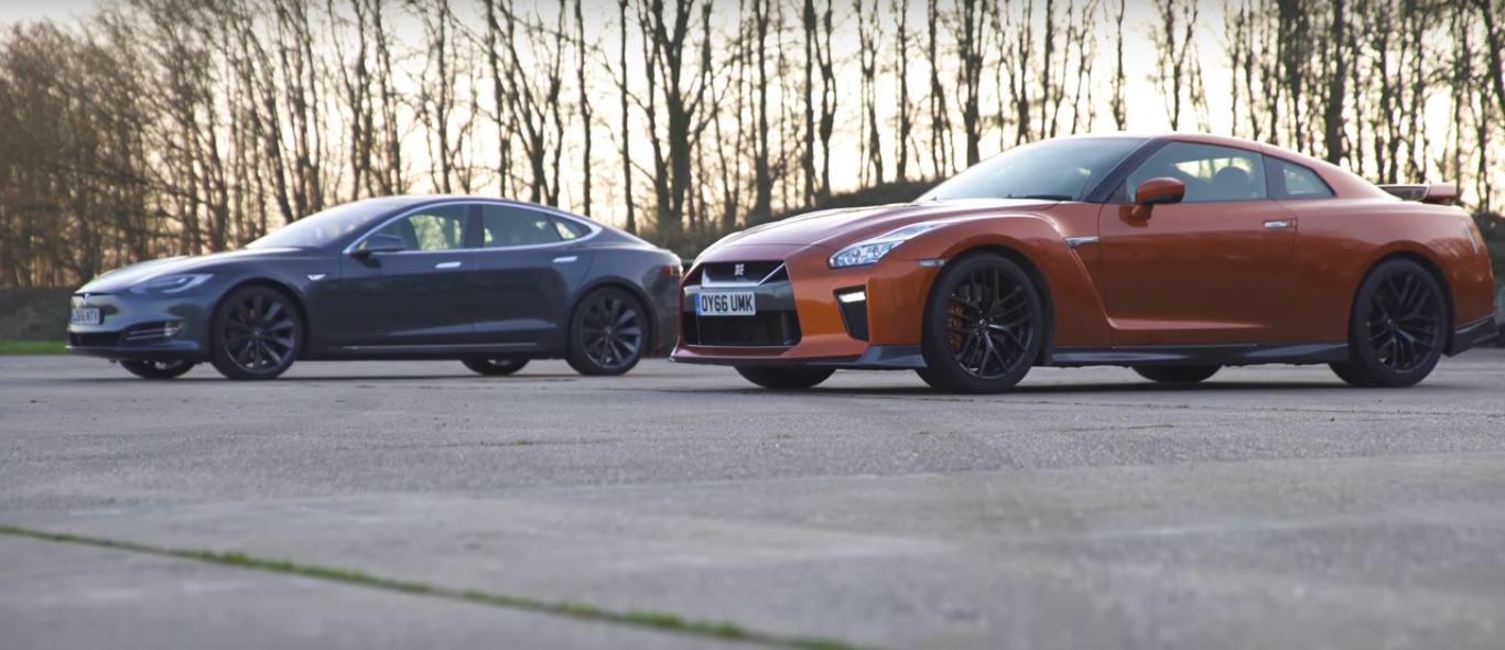 2017 Nissan GT-R vs Tesla Model S Drag Race Quadrathlon ...