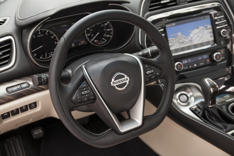2017 Nissan Maxima Gets Small Price Bump, Apple CarPlay, Accessory ...