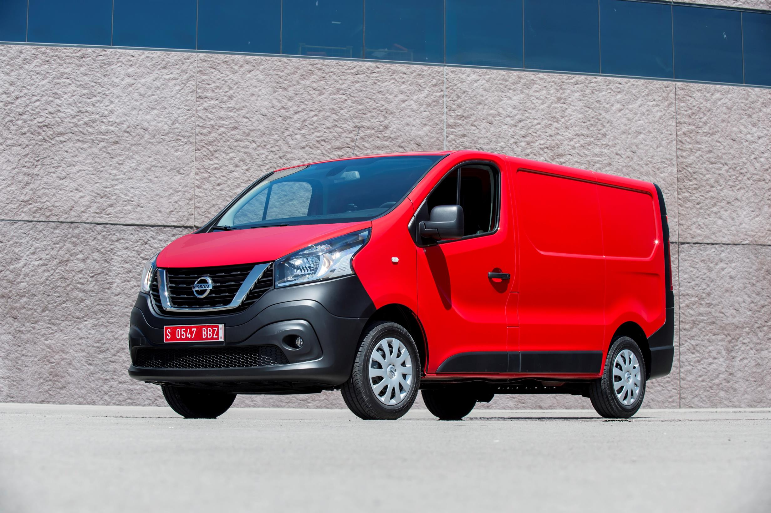 2017 Nissan NV300 Replaces Primastar Van - autoevolution