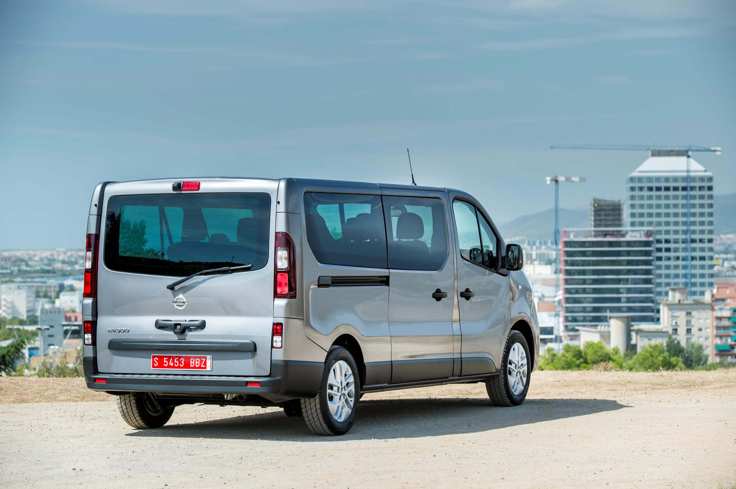 Juke Nissan 2016 >> 2017 Nissan NV300 Replaces Primastar Van - autoevolution