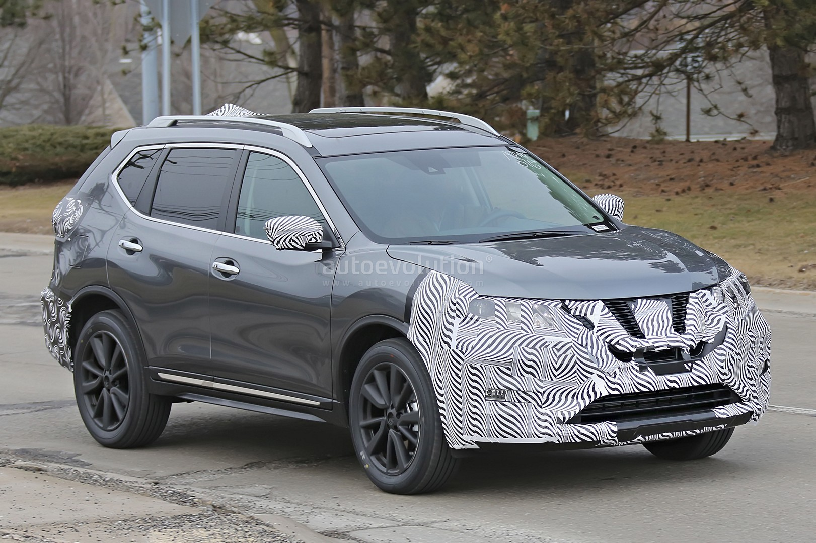 2017 nissan rogue spied with cosmetic updates autoevolution. Black Bedroom Furniture Sets. Home Design Ideas