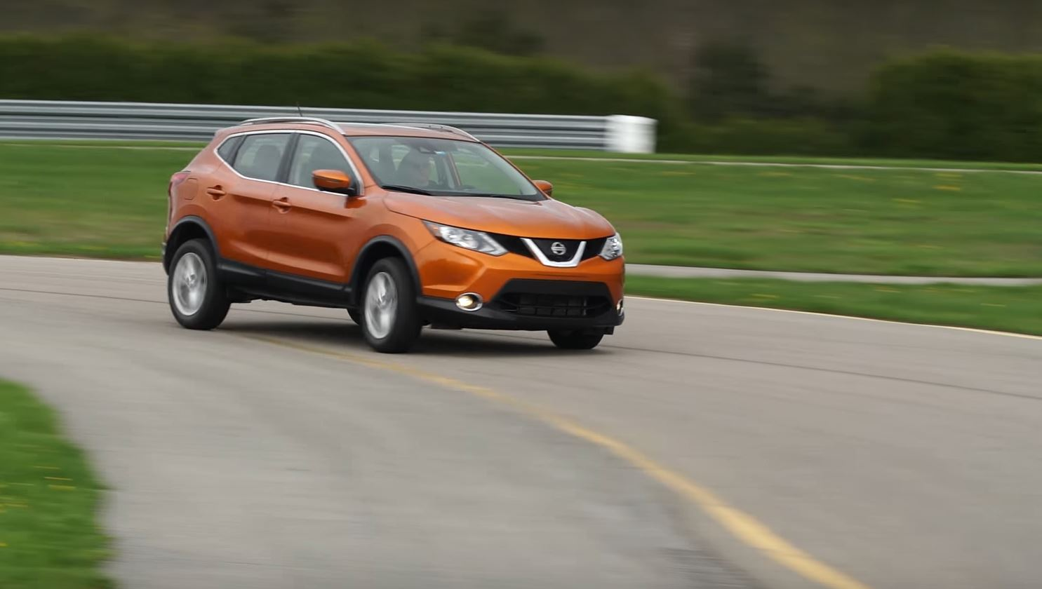 Amazing ... 2017 Nissan Rogue Sport Hits A Sweetspot Says Consumer Reports