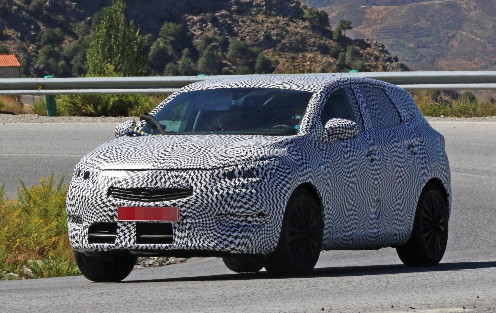 2017 opel compact suv spied testing in sunny spain autoevolution. Black Bedroom Furniture Sets. Home Design Ideas