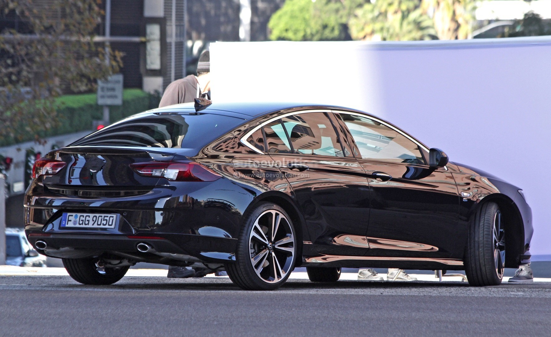 2017 opel insignia spied sans camouflage looks all grown up autoevolution. Black Bedroom Furniture Sets. Home Design Ideas