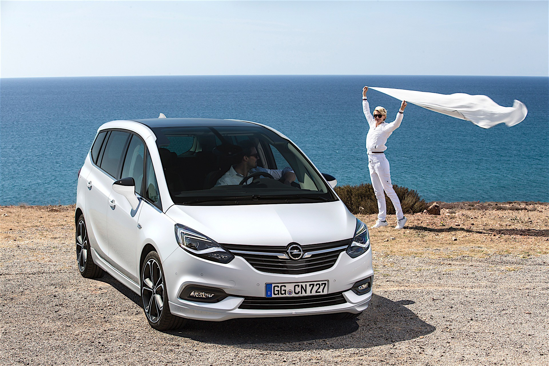 2017 Opel Zafira Production Begins In Russelsheim Plant