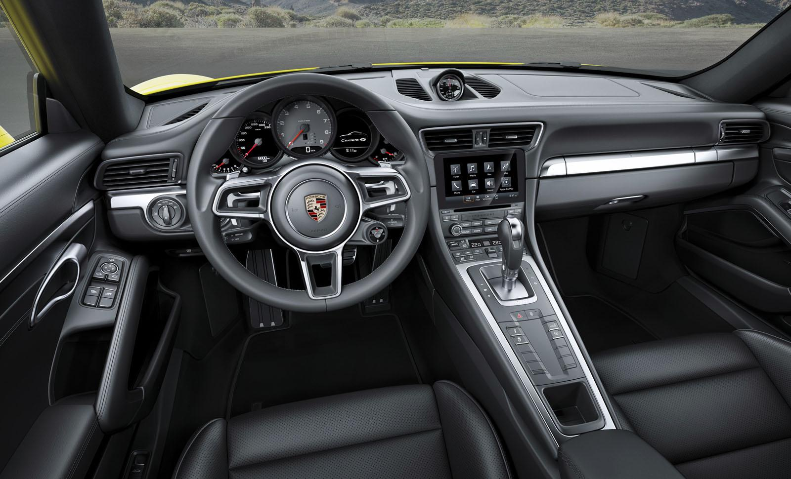 2017 porsche 911 carrera 4 targa 4 receive 911 turbo s for Porsche 911 interieur