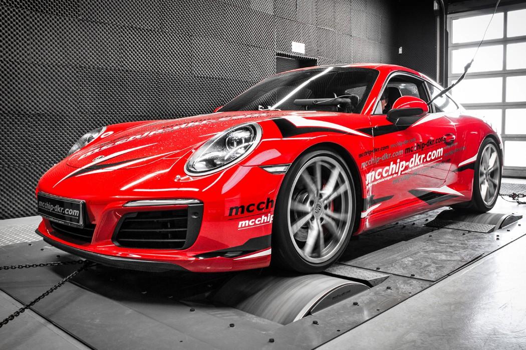 2017 porsche 911 carrera s tuned to 478 hp by mcchip dkr autoevolution. Black Bedroom Furniture Sets. Home Design Ideas