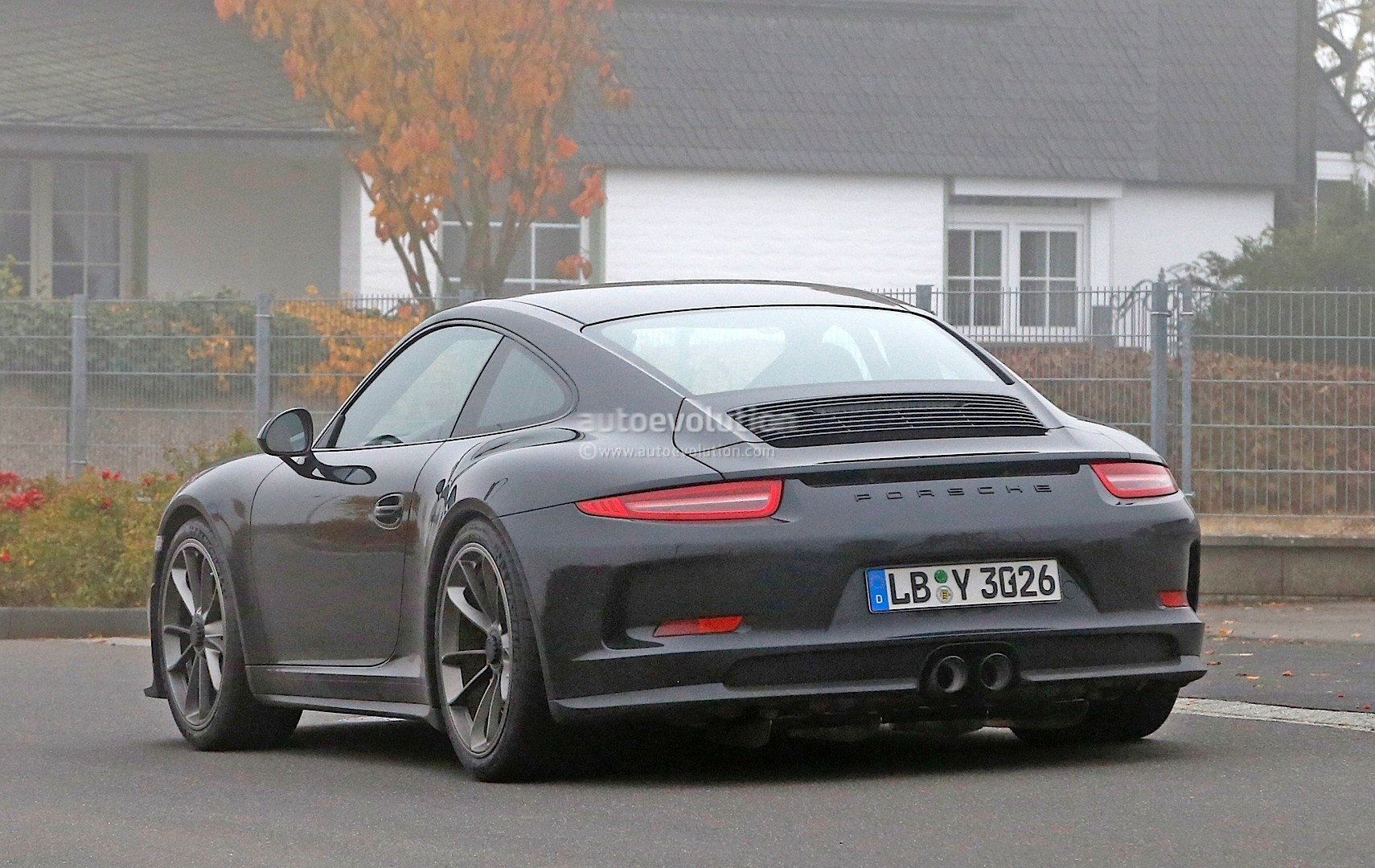 2017 porsche 911 r spied for the first time gt3 engine with a manual