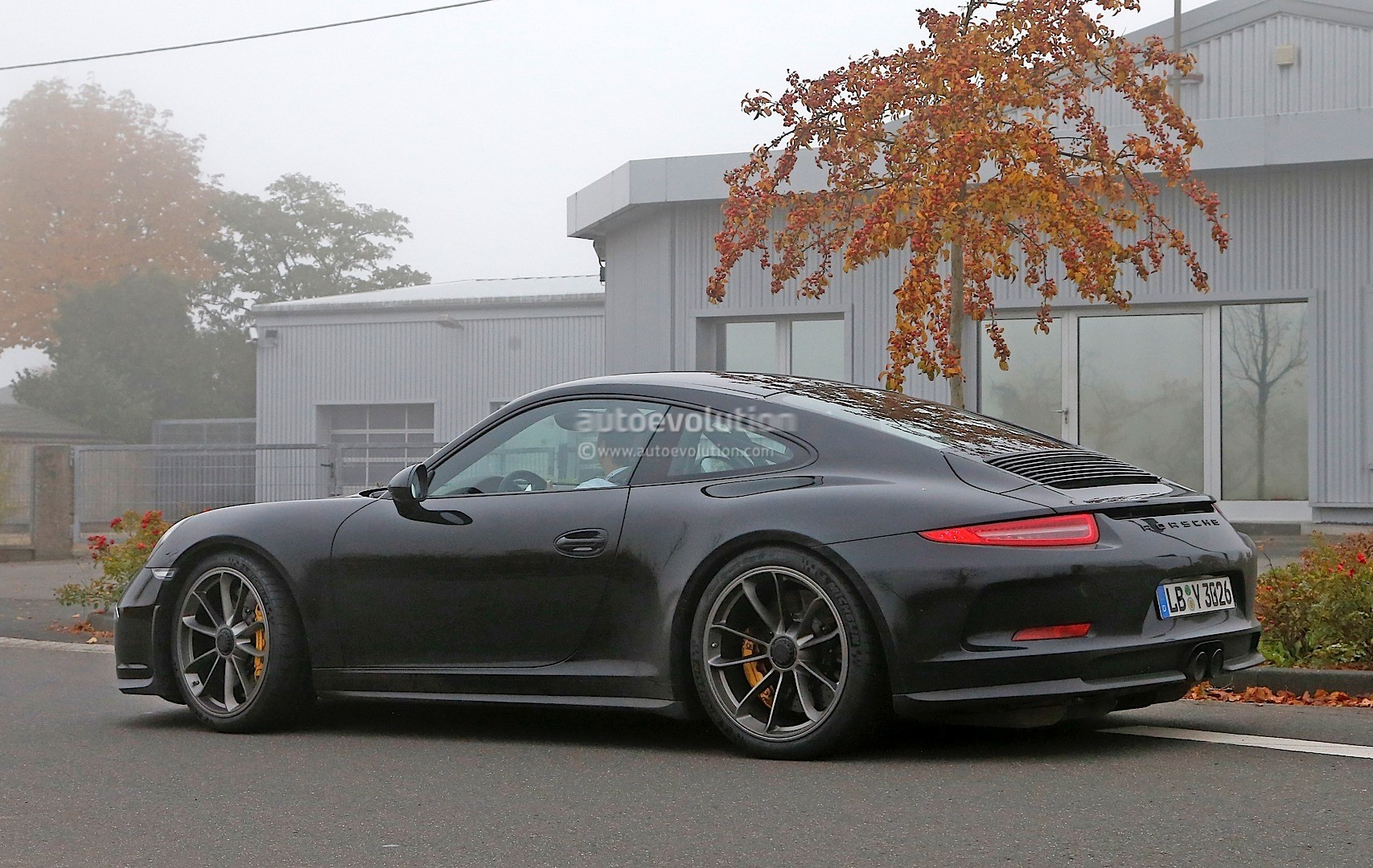 Porsche R Spied For The First Time Gt Engine With A Manual in addition Large A Bde Fc Eb Bc B A D C F also  also Steffi Graf Mit Tracy Austin C Dbf besides Techart Porsche Spoilers. on porsche 911 carrera 4 cabriolet