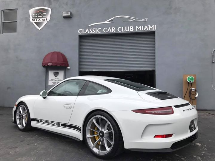 2017 porsche 911 r up for sale in florida at whopping 750 000 autoevolution. Black Bedroom Furniture Sets. Home Design Ideas